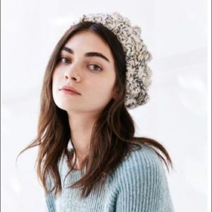 Urban Outfitters chunky knit beret.